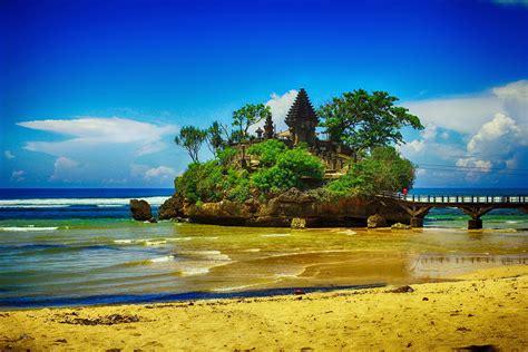 wisata pantai selatan situs resmi info tempat wisata 14 daftar tempat wisata di jawa timur dan sekitarnya
