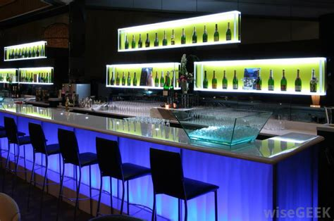 Modern Bars what are the different types of bar stools with pictures