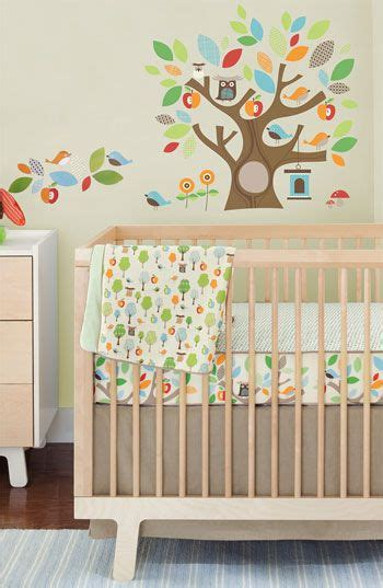 Make For Baby 20 Easy Projects To Make Your Own Bedding Make Your Own Baby Crib