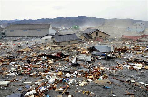 imagenes impactantes tsunami terremoto en jap 243 n im 225 genes impactantes taringa