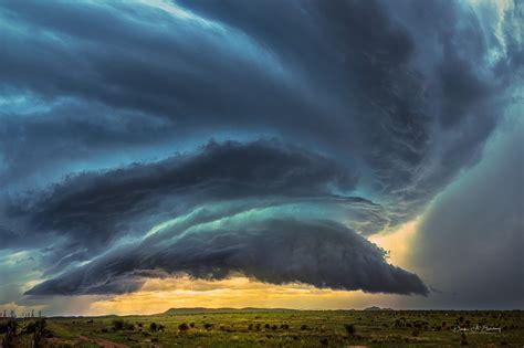 Shelf Cloud Tornado by Shelf Cloud With Severe Tornado Warned Supercell