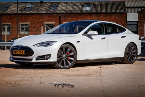 13 Tesla Model S Tesla Model S P85d 13