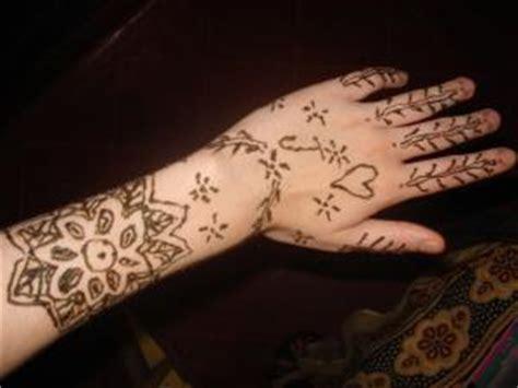 henna tattoo gefahren janila unterwegs mehandigelu thumba tschenagide