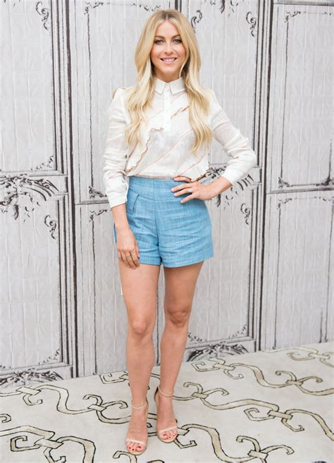 how to julianne hough s v shaped look by riawna capri julianne hough shows off toned legs in blue shorts in n y