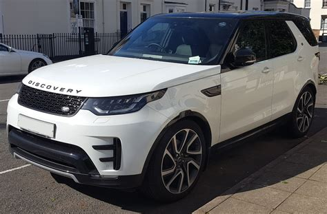 land rover discovery hse 2017 file 2017 land rover discovery hse td6 automatic front jpg