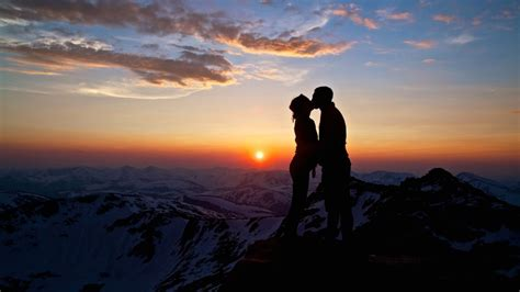 wallpaper sunset couple romantic lovely couples love sunset couple in sunset