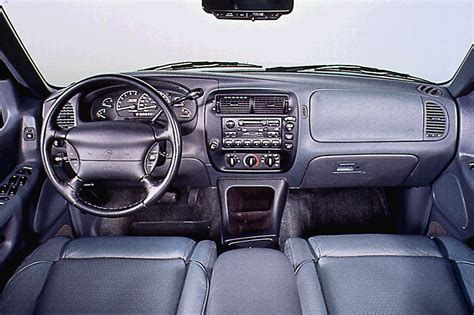 99 Mercury Interior by 1997 01 Mercury Mountaineer Consumer Guide Auto