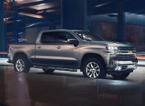 2019 chevrolet silverado diesel 2019 chevrolet silverado unveiled drops 450 pounds gains