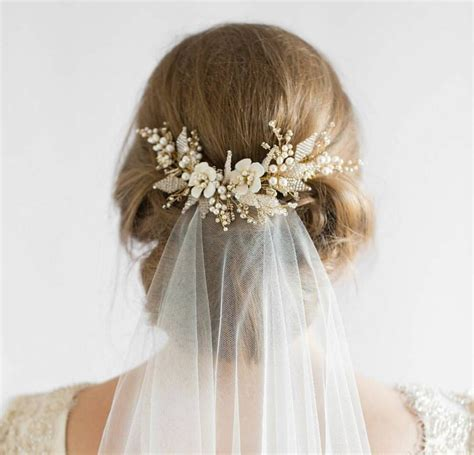 Bridal Bun Hairstyles With Veil by Best 25 Updo Veil Ideas On Veil Hairstyles