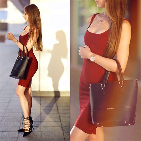 Heels Pesta Maroon Black Suede ariadna majewska midi dress black suede heels burgundy dress lookbook