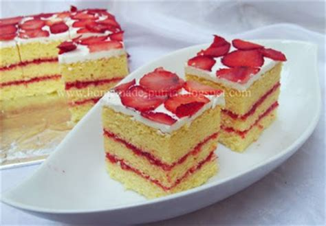 Cake Potong Slice strawberry slice vanilla cake home made cake and cookies