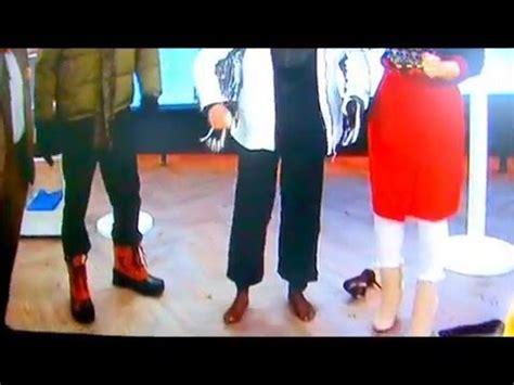 show dylan dreyer feet savannah guthrie barefoot on today show