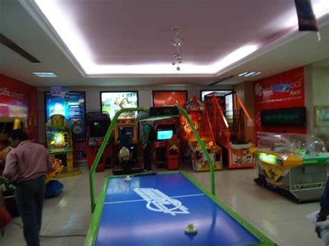 File:Bay Pride Mall Game Center Wikimedia Commons