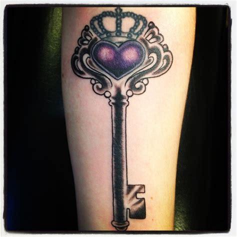 vintage key tattoo designs best 25 antique key tattoos ideas on skeleton