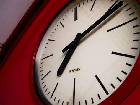 orologi da parete per soggiorno orologi da parete tra stile e funzionalit 224 homehome