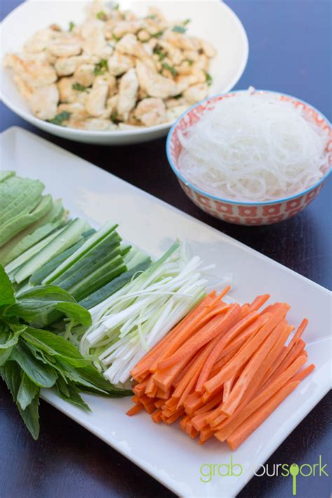 How To Make Chicken Rice Paper Rolls - rice paper rolls grab your spork