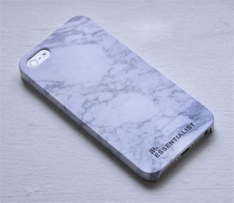 Iphone Case Giveaway - the custom iphone case giveaway mr essentialist