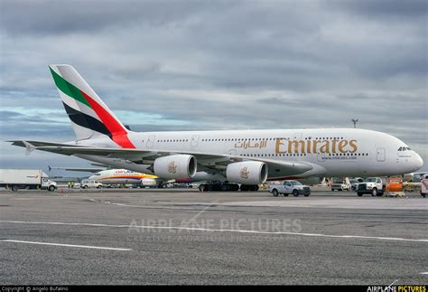 emirates jfk a6 ede emirates airlines airbus a380 at new york john