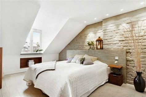 schräge im schlafzimmer gestalten schlafzimmer dachschr 228 ge 33 ideen f 252 r den schlafbereich