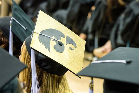 Mba Iowa Graduate With Honors by Ui To Honor December 2016 Graduates Iowa Now