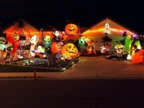 20 houses that are clearly winning at halloween decoraciones creativas de casas para halloween