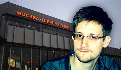 permesso di soggiorno in russia la russia proroga il permesso di soggiorno a edward