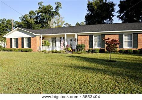 ranch style trim ranch style house shutters house design ideas