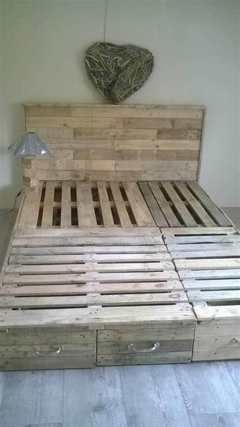 pallet bedroom suite chambre en palette  pallets