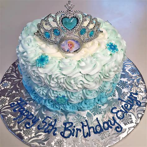 princess birthday cakes hands  design cakes