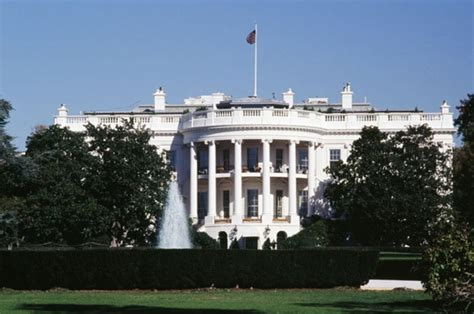 white house lockdown white house on lockdown after shots fired near northern entrance daily star