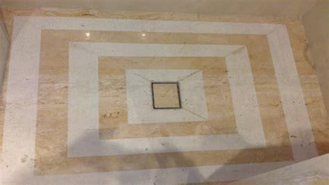 ducha romana ba 241 os en m 225 rmol travertino romano ideas reformas ba 241 os