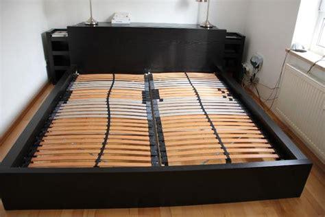 nachttisch schwarzbraun malm bett schwarzbraun 180 x 200 kopfteil 2 regale in