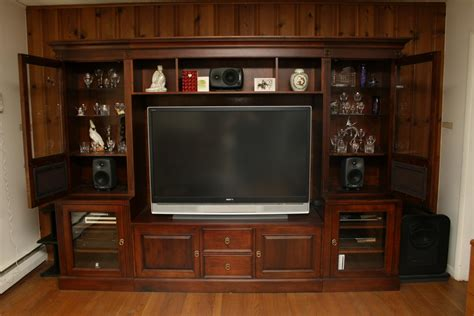 entertainment tips treating speaker cabinet in home entertainment center