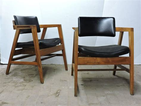 Mid 20th Century American Modern Lounge Chairs By Gunlocke 20th Century Modern Furniture