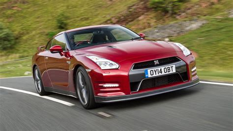 nissan gtr r35 review nissan gt r review top gear