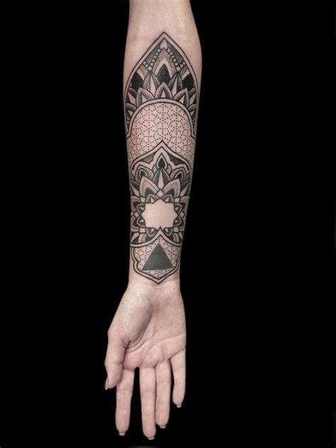 mandala tattoo sacred geometry chris cosmos tattoo studio geometry of the soul nazareno tubaro s mathematic mandala