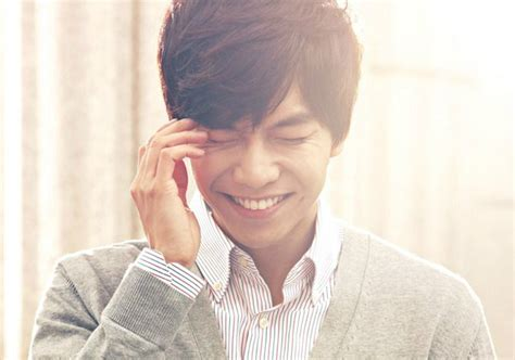 lee seung gi return album lee seung gi to return as a singer after 3 years with new