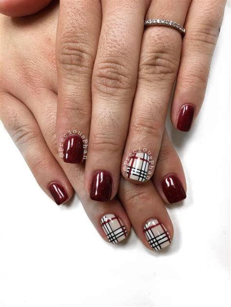 maroon color nails 1000 ideas about maroon nails on fall nail