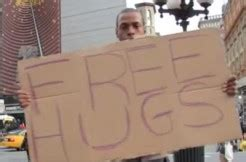 free hugs guy accused of attacking tourist in times free hugs guy allegedly punched tourist over tip law news