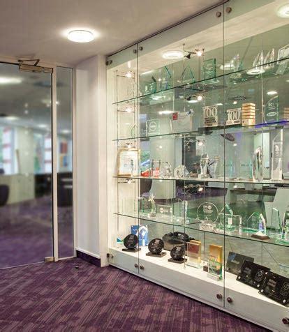 Glass Cabinet Display Walls   Shopkit UK