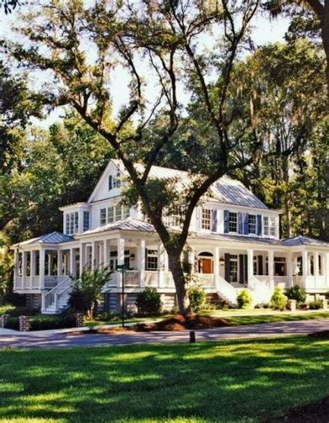 Southern Plantation Style Homes by Best 25 Southern Plantation Style Ideas On