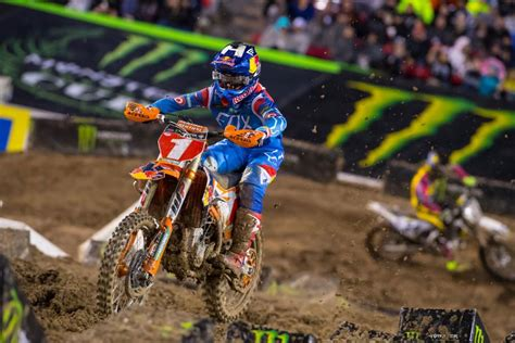 ama motocross gear 2016 las vegas supercross results dungey crashes but wins