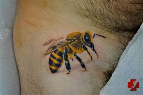 beehive tattoo bumblebee tattoos