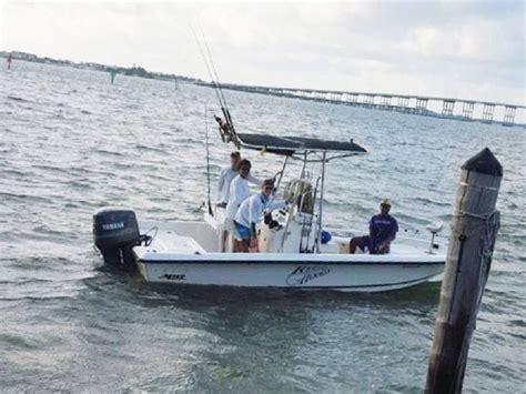 mako shark boats 2000 used mako bay shark runabout center console fishing