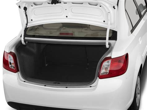 Kia Trunk Image 2011 Kia 4 Door Sedan Lx Trunk Size 1024 X