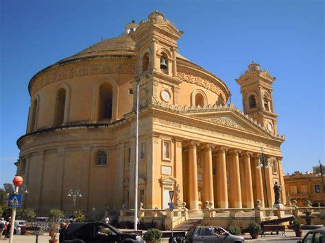 malta turisti per caso mosta la rotunda viaggi vacanze e turismo turisti