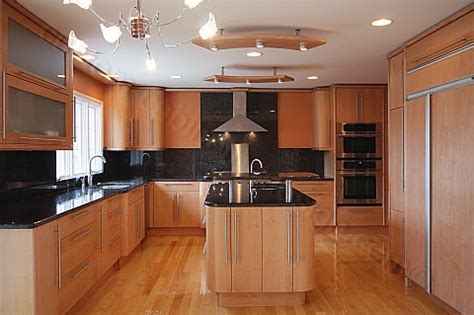 maple kitchen ideas maple kitchen cabinets contemporary roselawnlutheran