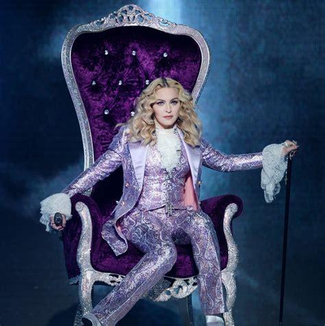 Madonna For Hm Billboard Vandalized by Madonna 233 Eleita Mulher Do Ano Pela Revista Billboard Me