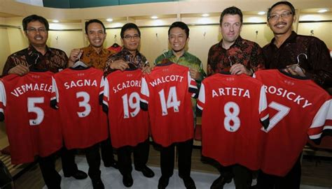 arsenal indonesia fb telkomsel launches arsenal sim card economy business