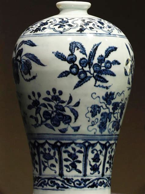 Most Valuable Vases by 10 Most Expensive Vases Greatest Collectibles